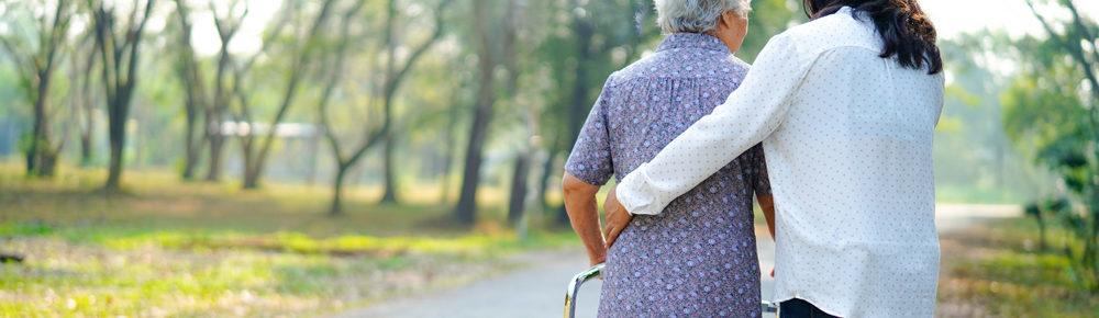Badante o colf con anziana signora